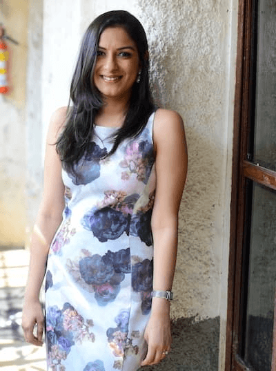 Deepa-Jain-Co-founder-WowTables-crazyengineers