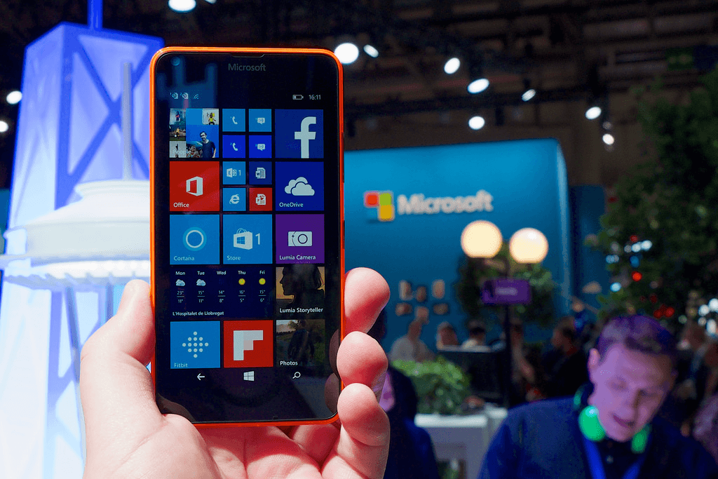 windows-10-mobile-dead-microsoft-OwNUh1.png