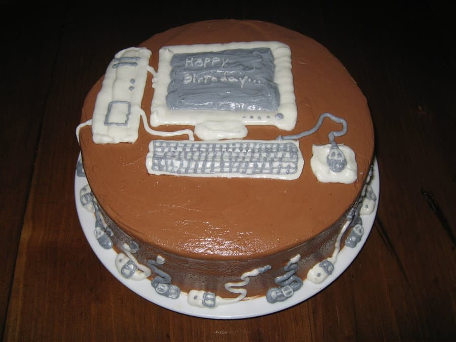 Computer_Cake_by_Roselock02