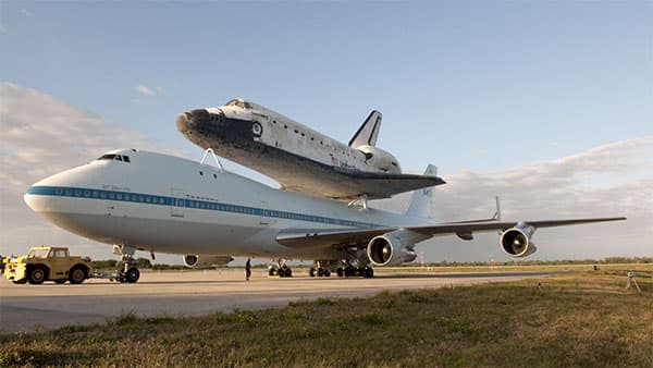 Discovery-Space-Shuttle-Boeing-747