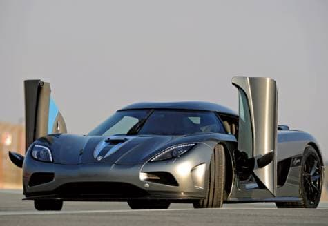 AgeraR & How does Koenigsegg dihedral synchro-helix doors works?   CrazyEngineers