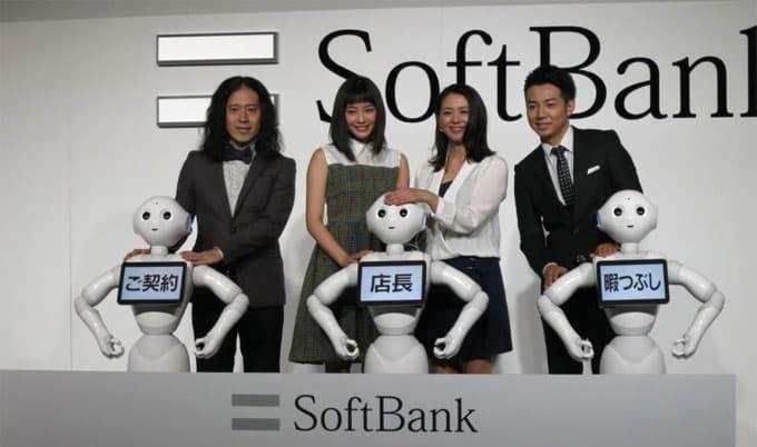 pepper-robot-serves-customers