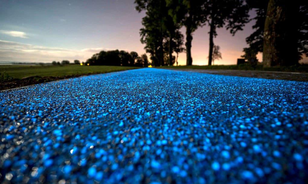 glowing-bike-lane-poland