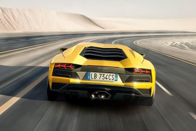 Lamborghini-Aventador-S-1
