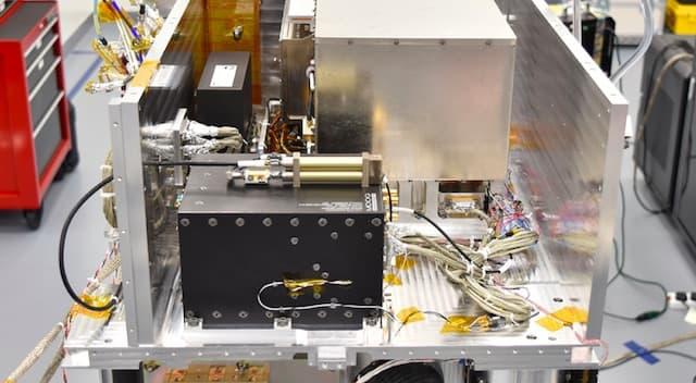 nasa-atomic-clock-space
